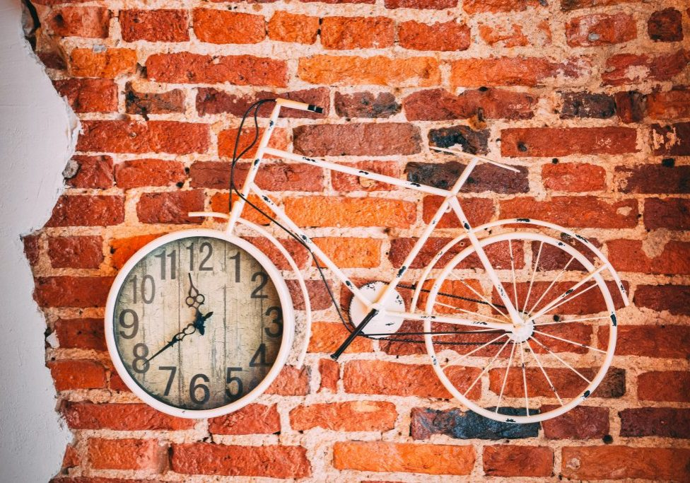 antique-bicycle-brick-wall-2909099